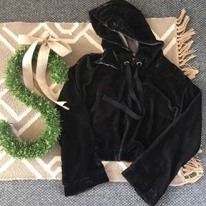 Cloth & Stone Velvet Hoodie Hooded Crop Top